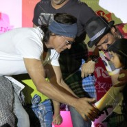 14jun srkkidzania 29 185x185 In Pictures: Shah Rukh Khan celebrates Fathers Day at Kidzania