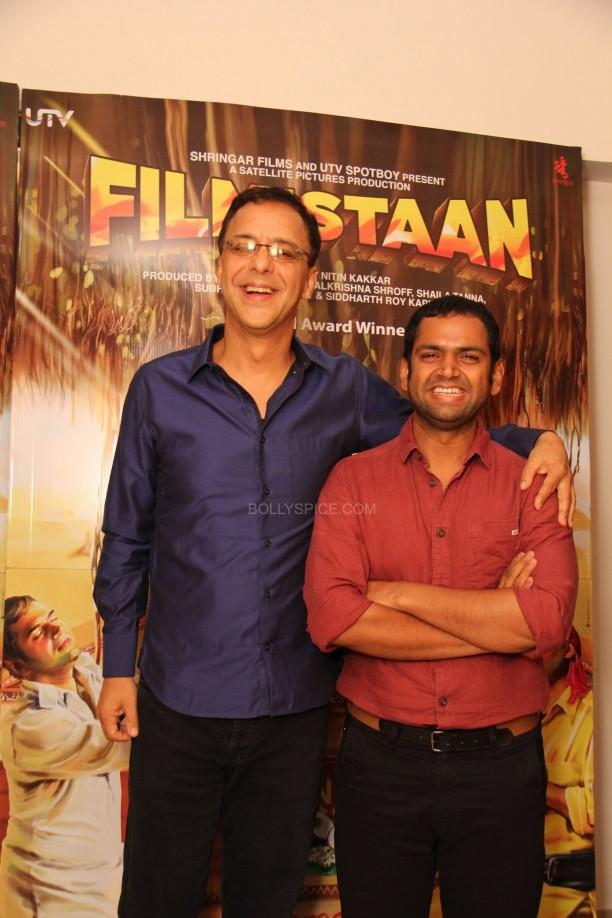 filmistaanvvc3 612x918 Mr. Vidhu Vinod Chopra Applauds Filmistaan!