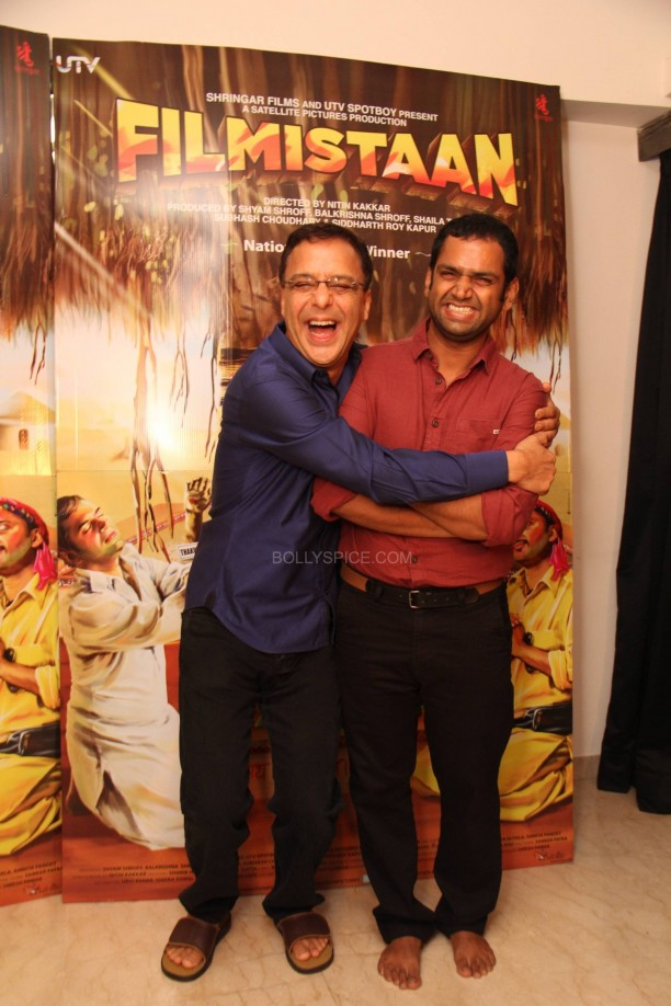 filmistaanvvc4 612x918 Mr. Vidhu Vinod Chopra Applauds Filmistaan!