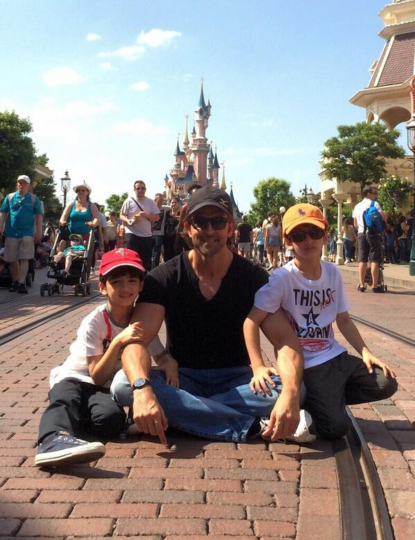 hrithikkidsdisneyland Hrithik on Mini break with Hrehaan and Hridaan