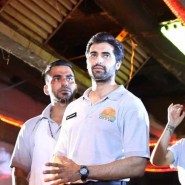 imranakshaygimmeepizzashoot3 185x185 Pictures! Imran Khan drops in to meet Akshay Oberoi at the Pizza music video shoot