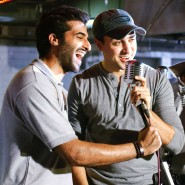 imranakshaygimmeepizzashoot4 185x185 Pictures! Imran Khan drops in to meet Akshay Oberoi at the Pizza music video shoot