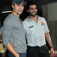 imranakshaygimmeepizzashoot8 185x185 Pictures! Imran Khan drops in to meet Akshay Oberoi at the Pizza music video shoot
