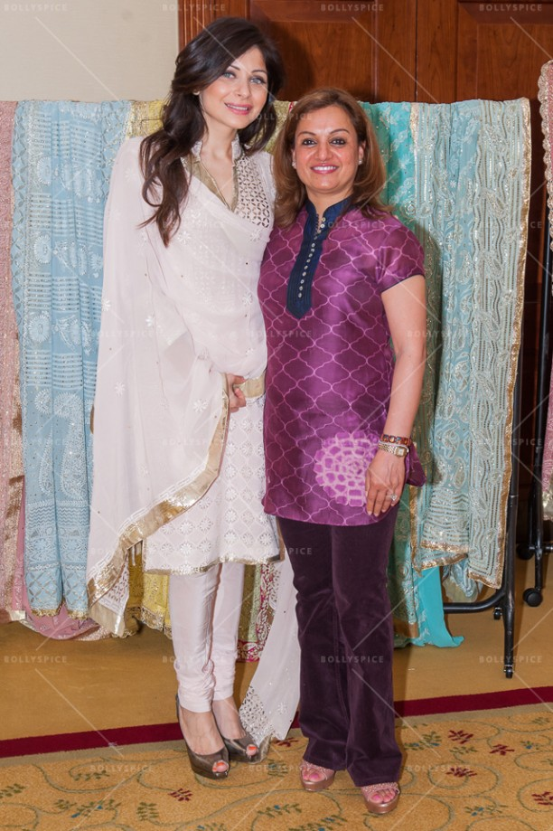 14jul KanikaTrunkShow10 612x919 Kanika Kapoor hosts an exclusive Trunk Show