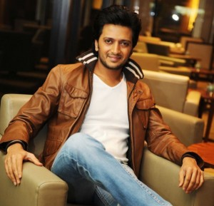 14jul RiteishDeshmukh 300x289 Riteish Deshmukh is a Bank Chor