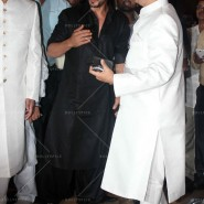 14jul SalmanSRKIftar2Hug15 185x185 SRK, Salman and other stars at Siddiqui Iftaar Party