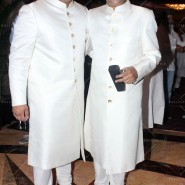 14jul SalmanSRKIftar2Hug35 185x185 SRK, Salman and other stars at Siddiqui Iftaar Party