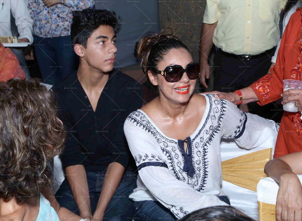 183571 In Picures: Gauri along with Suhana and Aryan Khan launch The Brown Box Bakery