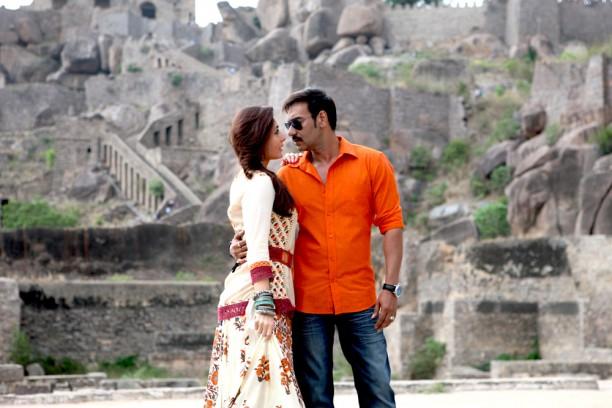 Ajay Devgn & Kareena at Golconda Fort