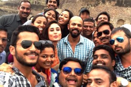 Kareena Kapoor-Rohit Shetty-Ajay Devgn with the Crew