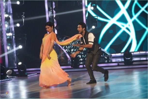 14aug JDJ7 Gurushetra12 612x410 Jhalak Dikhhla Jaa 7: Akshay Kumar, Kareena Kapoor & Gurukshetra!