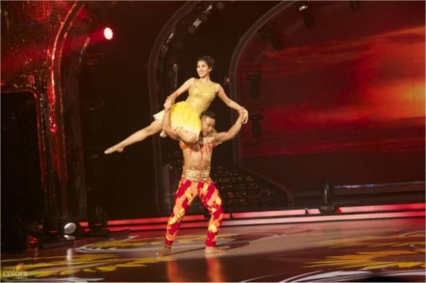 14aug JDJ7 Gurushetra15 612x407 Jhalak Dikhhla Jaa 7: Akshay Kumar, Kareena Kapoor & Gurukshetra!