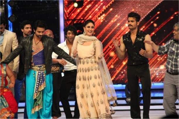 14aug JDJ7 Gurushetra20 612x408 Jhalak Dikhhla Jaa 7: Akshay Kumar, Kareena Kapoor & Gurukshetra!