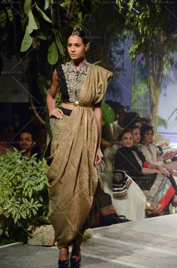 14sep_STYLEFILE-Anamika Khanna01