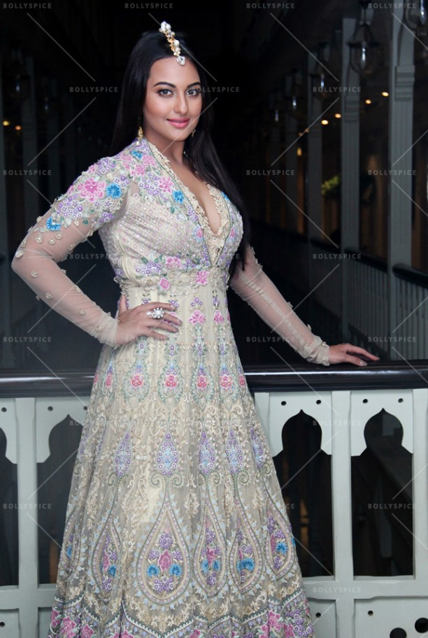 14sep_Sonakshi-TarunTahiliani03