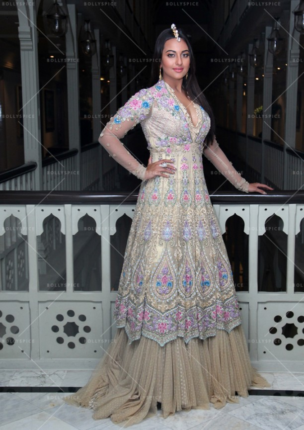 14sep_Sonakshi-TarunTahiliani04