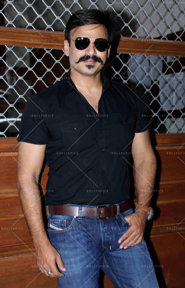14oct_BankChor-OnSet22
