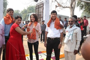 14nov_Anushka Sharma Support My School Campaign 3