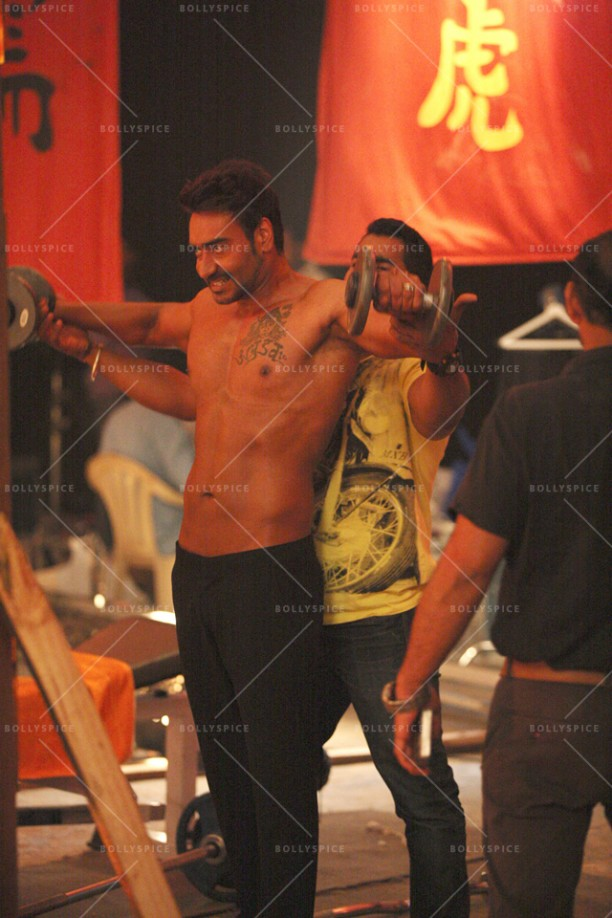 14dec_AjayDevgn-MartialArts07