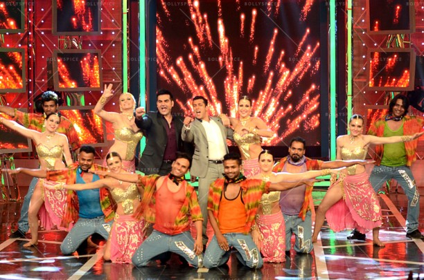 14dec_DollyKiDoli-BiggBoss01