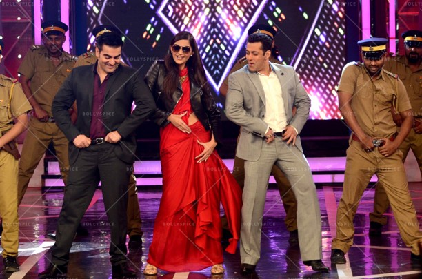 14dec_DollyKiDoli-BiggBoss06