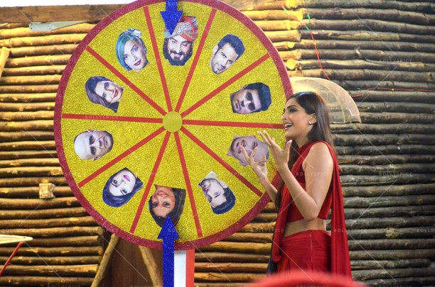 14dec_DollyKiDoli-BiggBoss08