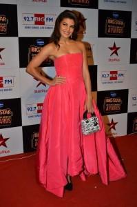 14dec_Jacqueline Fernandez Big Star Entertainment Awards