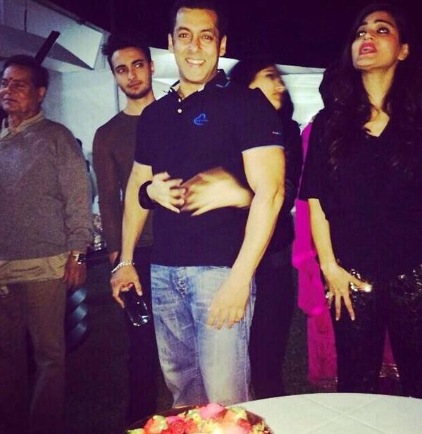 14dec_SalmanBirthday05