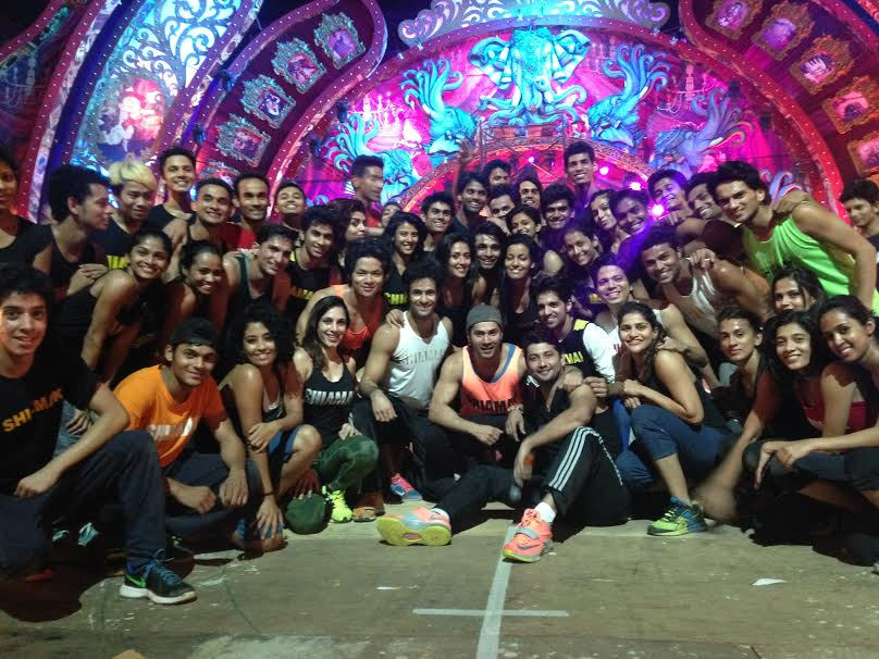 14dec_Varun Dhawan and Shiamak 2