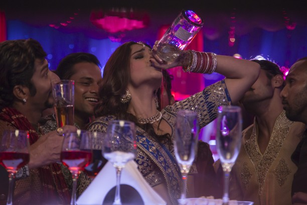 Sonam Kapoor in Phatte Tak song from Dolly Ki Doli