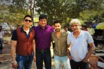 Varun Dhawan and Sriram Raghavan on the sets of CID (2)