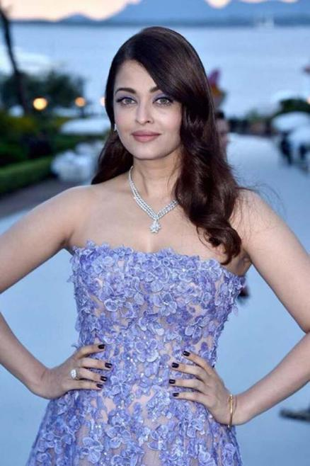 15may_Aishwarya-Cannes14