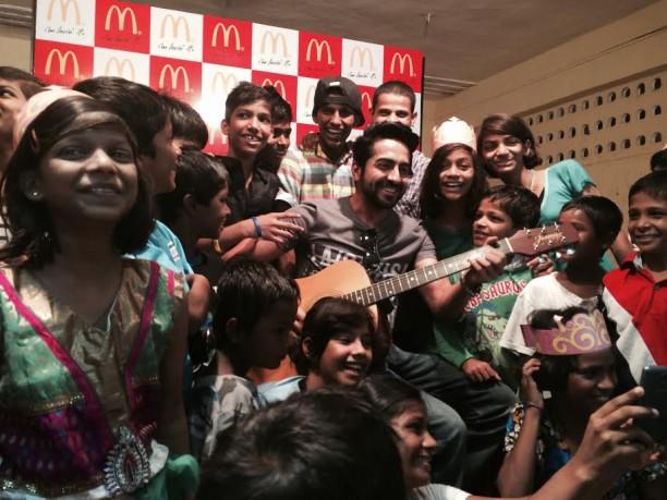 Ayushmann Khurrana spreads cheer to No TV Day 1