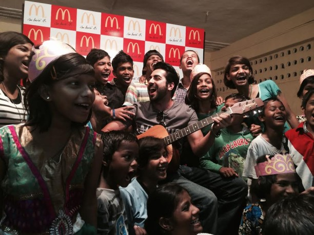 Ayushmann Khurrana spreads cheer to No TV Day 2