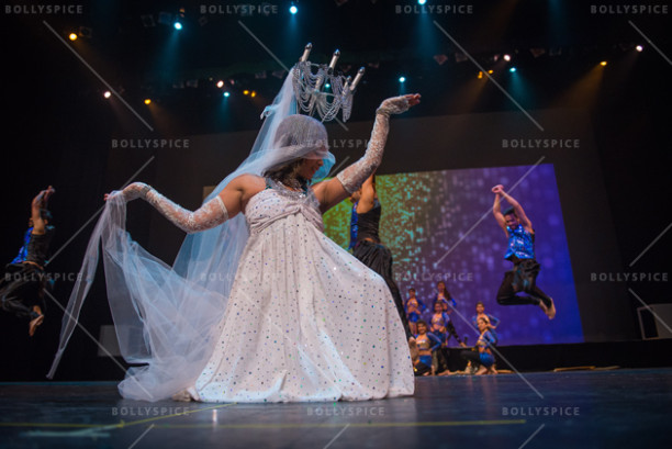 Senior Instructor Suragini Ravindran opens the show with The SHIAMAK Dance Team – Vancouver