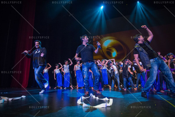Shiamak Davar, Marzi Pestonji & Principal Dancer Rohan D'Silva teaching the audience the moves and grooves to Dr. Cabbie hit song Daal Makhani