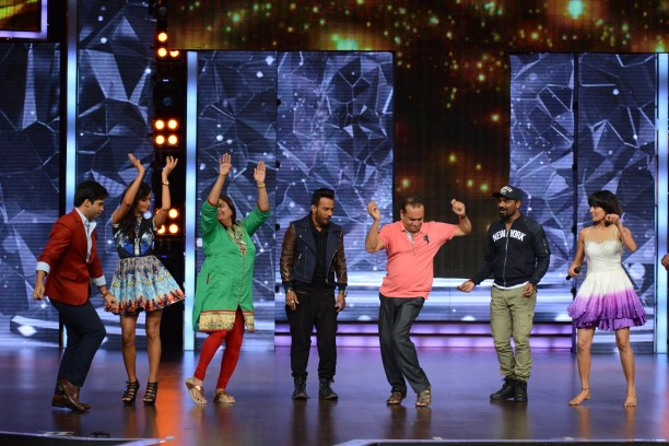Catch Dance + from 26th July at 8 pm only on STAR Plus  (3)