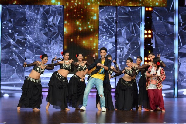 Catch Dance + from 26th July at 8 pm only on STAR Plus  (4)