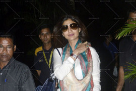 shilpa shetty snapped at airport (3)