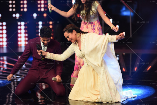 15aug_Sonakshi-Chaiyya-IndianIdol03