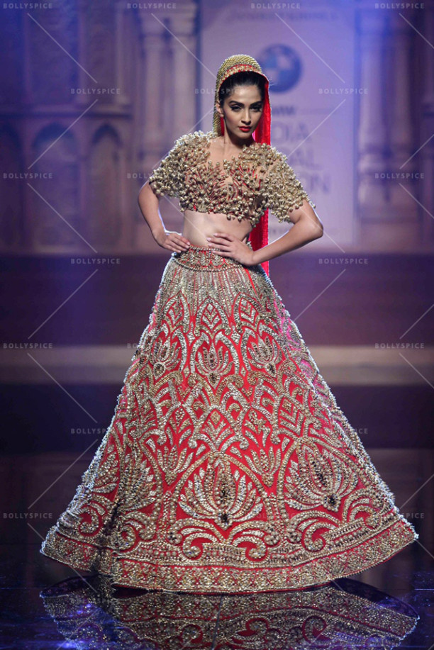 15aug_Sonam-AbuSandeep-Showstopper02