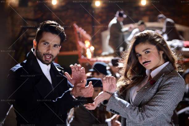 15sep_Gulaabo-Shandaar-Song01