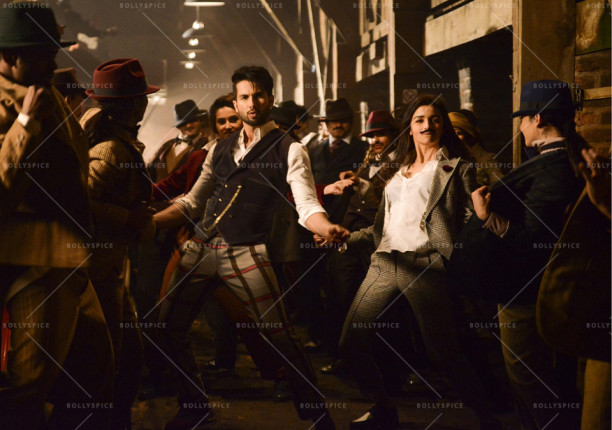 15sep_Gulaabo-Shandaar-Song02
