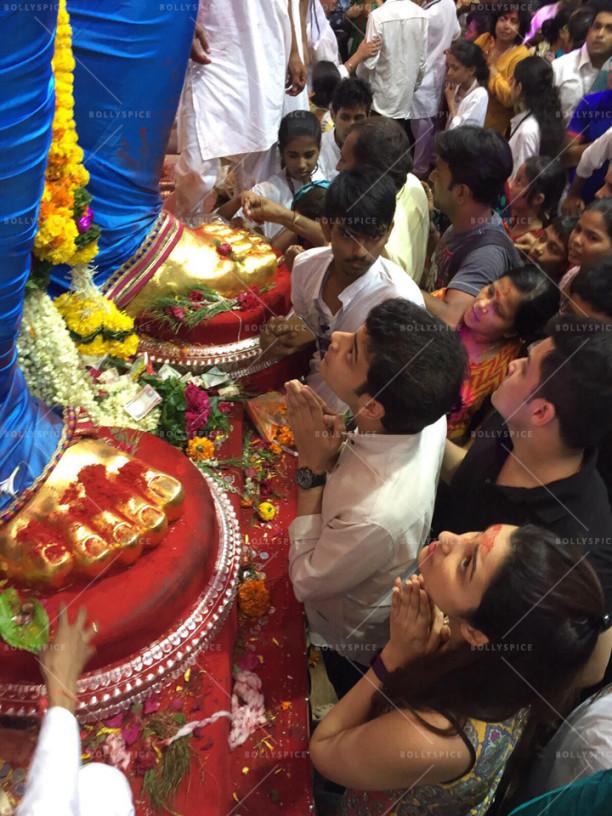 15sep_LalBaghChaRaja-Ganesh-Parineeti02