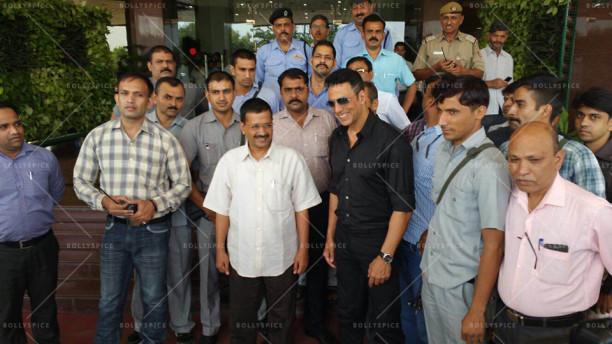 15oct_AkshayKumar-SIB-ArvindKejriwal-DelhiCM
