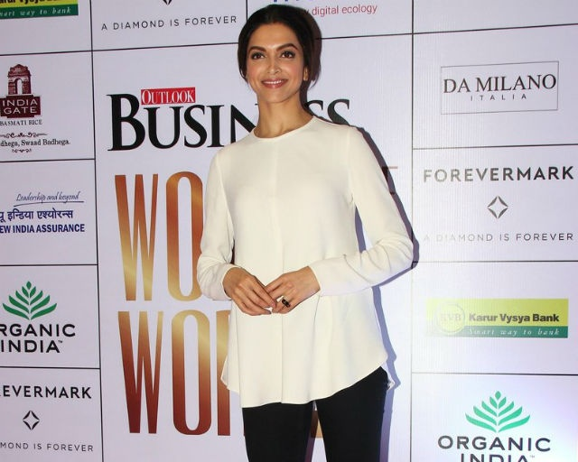 15oct_Deepika-OutlookAward03
