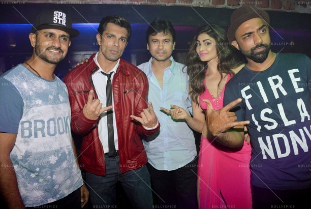 15oct_HateStory3-OnSet01