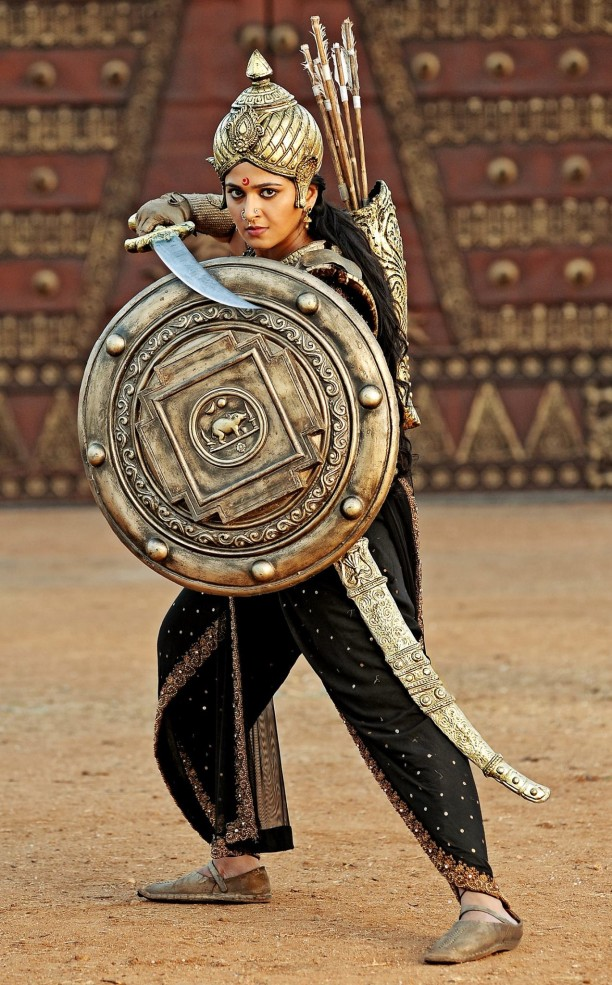 15oct_Rudhramadevi-Still01