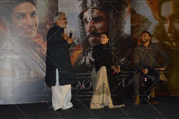 Bajorao Mastani director Sanjay Leela Bhansali with stars Deepika Padukone and Ranveer Singh