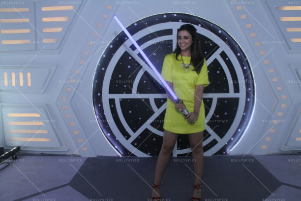 15nov_Parineeti-StarWars04